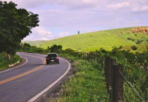 bil på landevejen