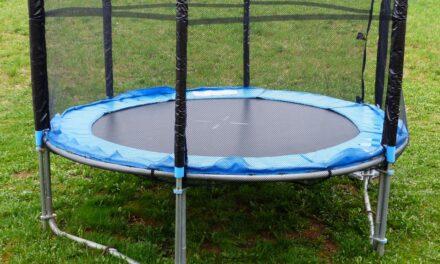 Køb trampolin og hop dig i form med dit barn