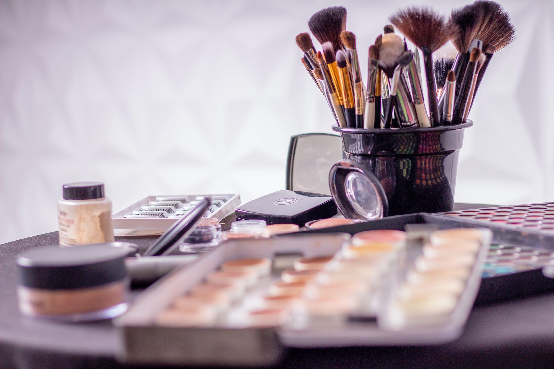 Makeup på bord